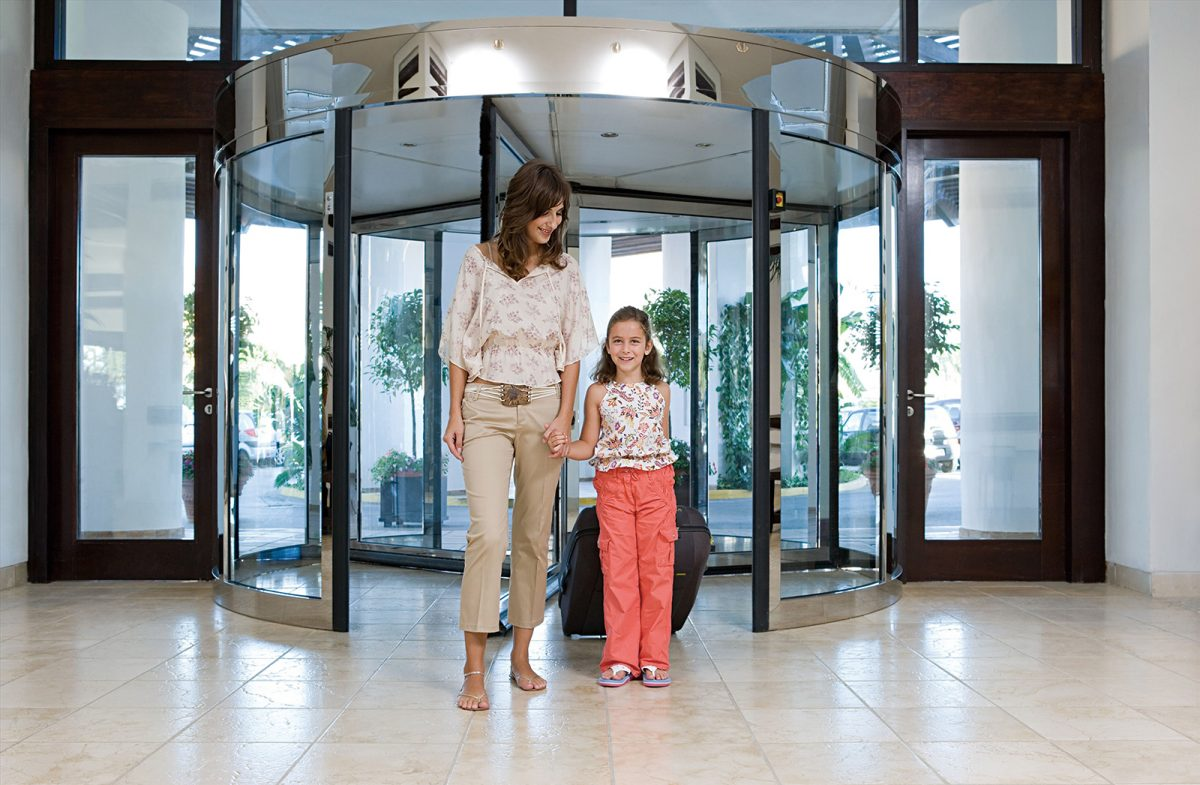 High Capacity Revolving Door with mirror polished stainess steel