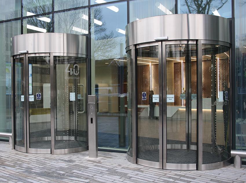 EA Circle Sliding Doors in London
